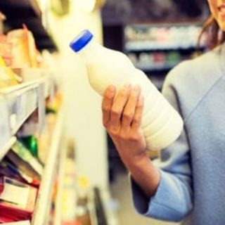Intolleranza al lattosio: cos'è, come comportarsi, consigli utili